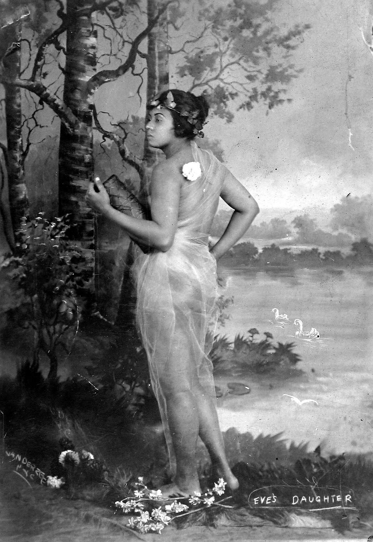 James Van Der Zee, Eve's Daughter, c. 1920