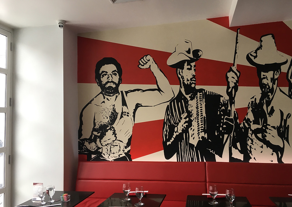 Dominican characters on the walls of Mamasushi