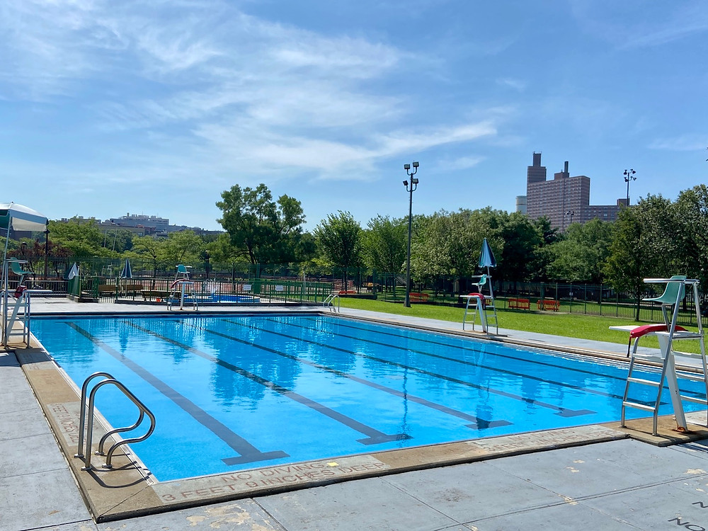 outdoor pool at Riverbank State Park is open