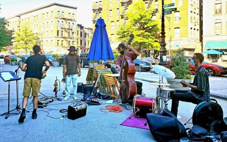 L'Artista in Harlem is now offering free live outdoor jazz on Sundays