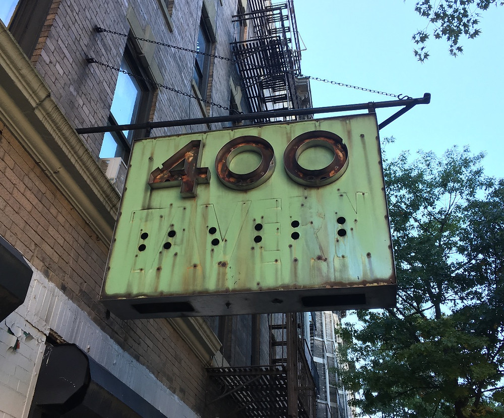 400 Tavern old neon sign