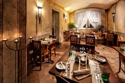 Praha Restaurant Leonardo 1.jpg