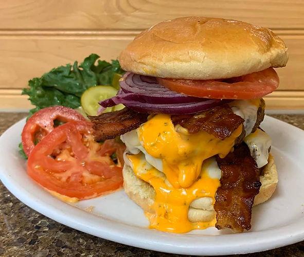 lucca burger.jpg