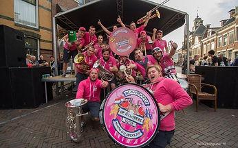 De-Útlopers-Burolivemuziek.nl_-800x500.j