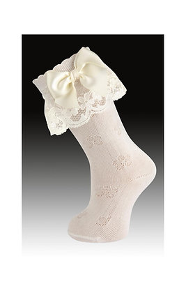 Carlomagno Girls' Ivory Lace Bow Socks