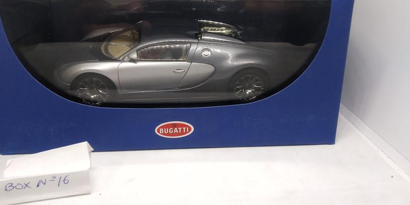 BUGATTI 16.4 VEIRON (GENF SHOW CAR 2003) AUTOART