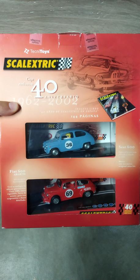 PACK 40 ANIVERSARIO SEAT TC600+FIAT ABARTH+LIBRO HISTORIA 40 AÑOS SCALEXTRIC
