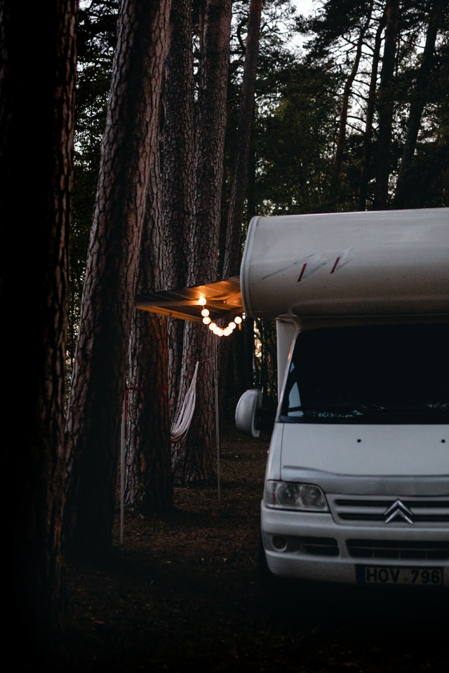 hamac de camping avec moustiquaire avec camping-car