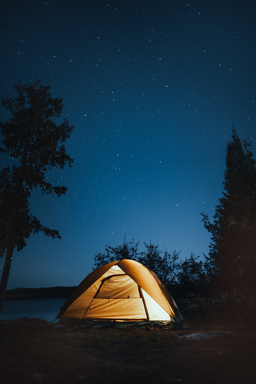 camping de nuit ciel