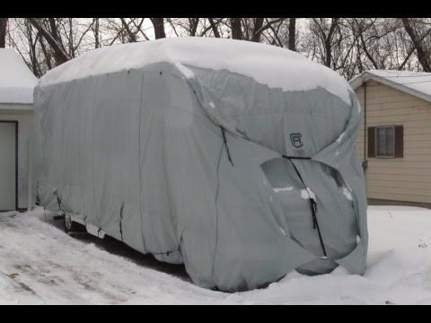 housse camping car sous la neige
