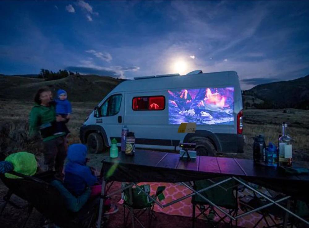 video projecteur portable cote de fourgon