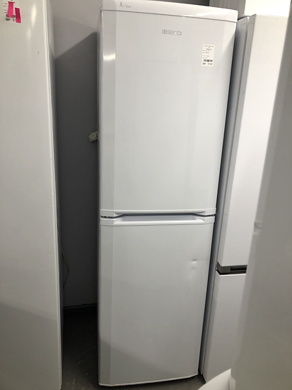 (673) Beko Fridge Freezer - CF5834APW