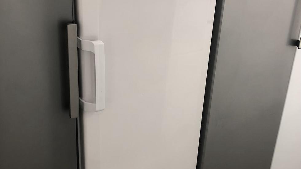 (075) Beko Tall Freezer - TFF673APW