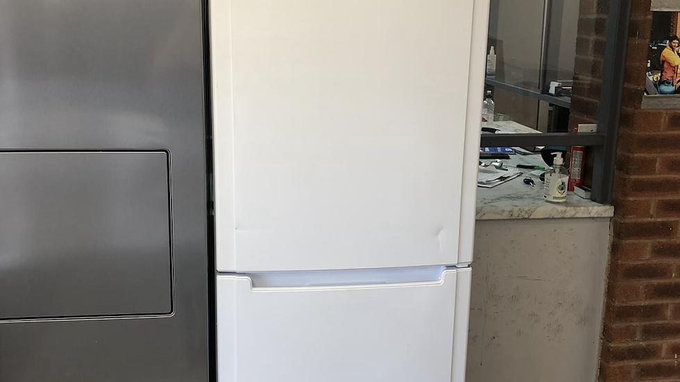 (947) Hotpoint fridge freezer - FSFL 2010- White