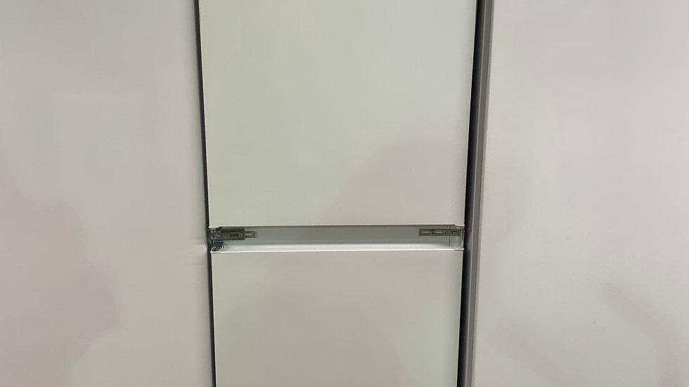 (593) ELECTROLUX LNT3LF18S5 Built In 50/50 Low Frost Fridge Freezer