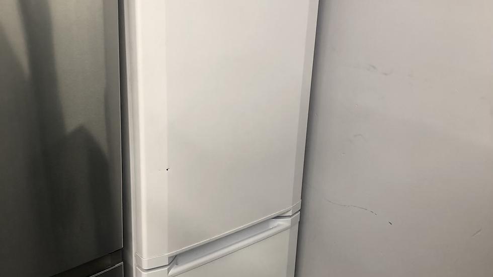(159) Beko CS5713APW 178L 171x55cm Wide Freestanding Fridge Freezer - White