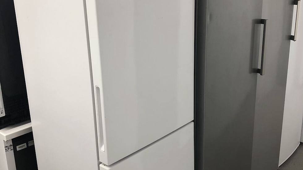 (982) Bosch Fridge Freezer - KGN27NWFAG/01