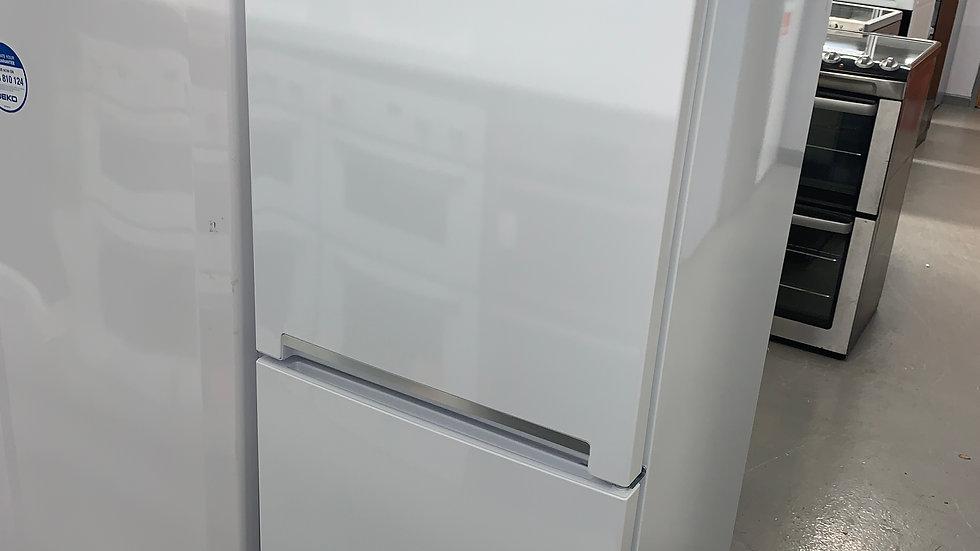 (642) Beko CFG3552W 50/50 Fridge Freezer - White
