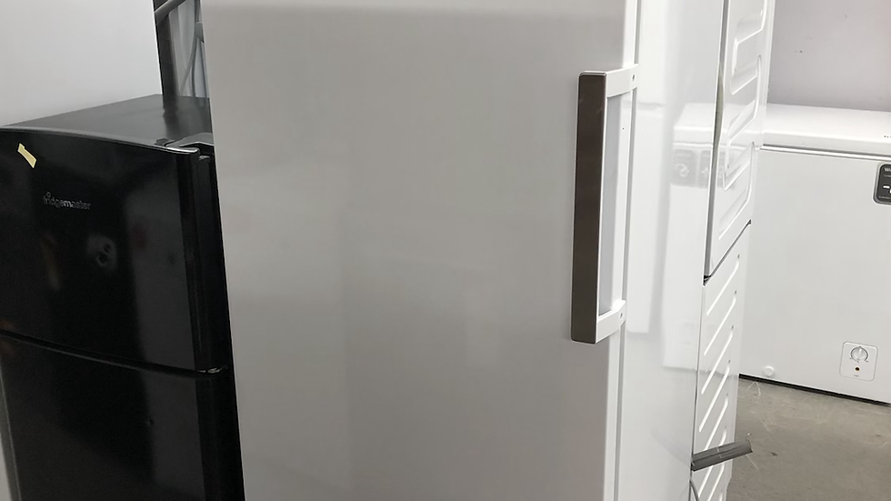 (528) Beko FFP1671S Frost Free Upright Freezer - Silver - F Rated