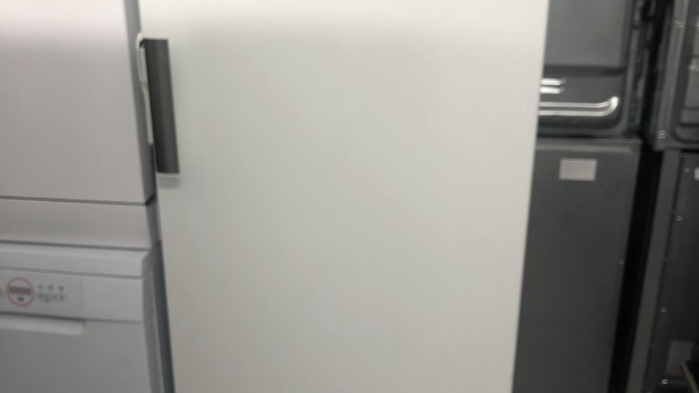 (189) AEG A72020GNW0 60cm Wide Frost Free Freestanding Upright Freezer - White