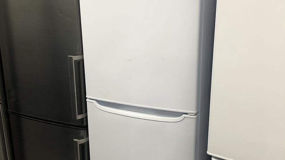 (128) HOTPOINT Fridge Freezer - FF187W-White