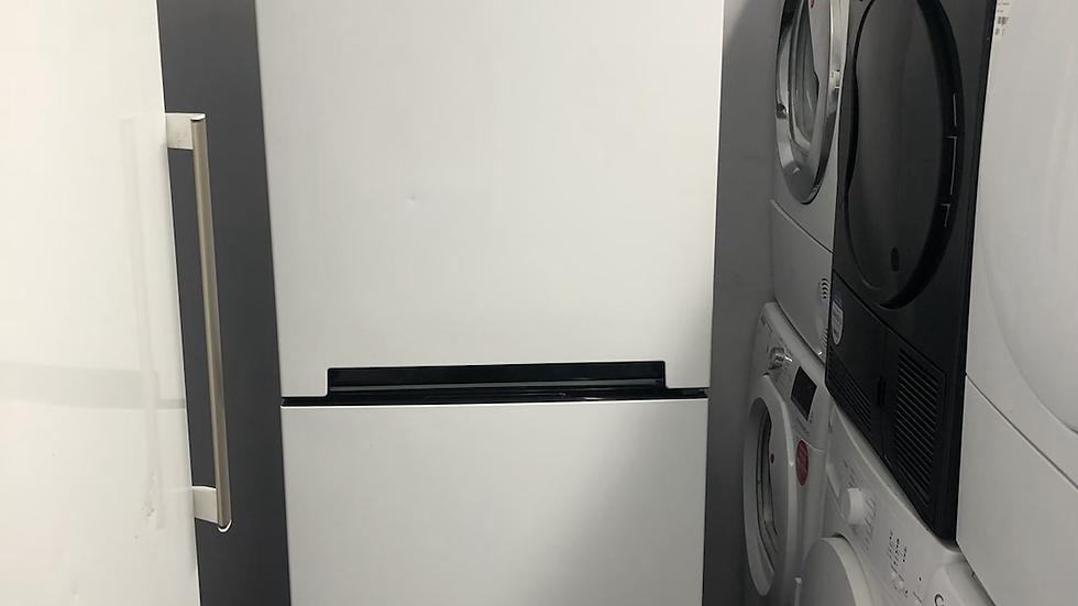 (049) Hotpoint Fridge Freezer - DC85N1W