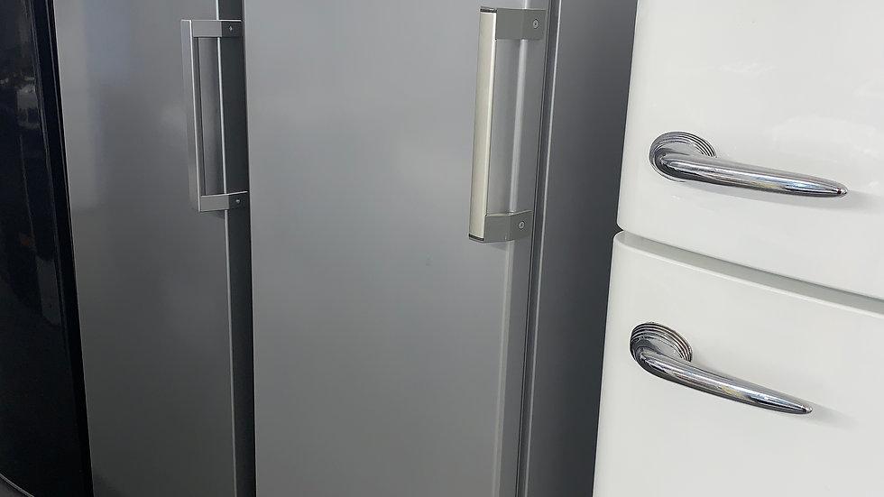 (628) Indesit Tall Freezer - R600A - Grey