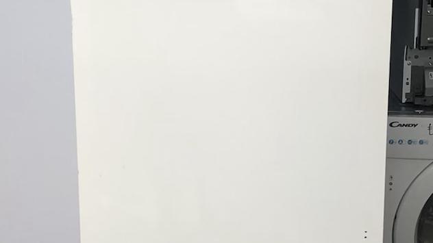(835) Hisense FIV276N4AW1 Integrated Frost Free Upright Freezer