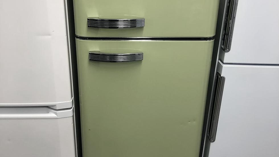 (426) Swan SR11010GN Retro Top Mounted Fridge Freezer - Green