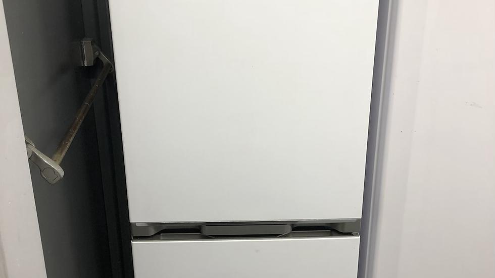 (023) Sharp Fridge Freezer - SJ-BB02DTXWF-EN