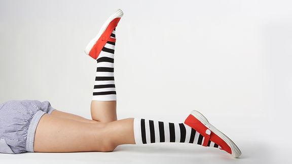 Chaussettes dénudées dans les chaussures