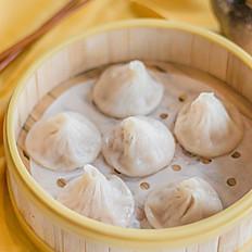 灌湯小籠包: Shanghai Soup Dumpling (6)