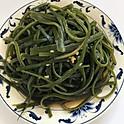 涼拌海帶絲: Marinated Seaweed Salad
