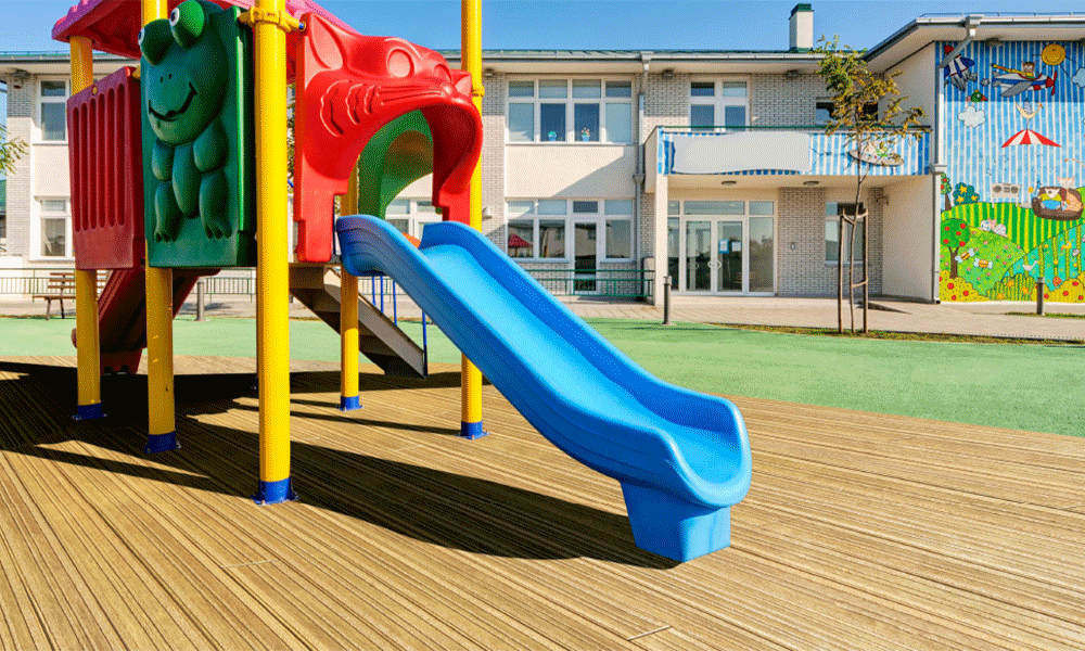 Millboard-Lasta-Grip-Golden-Oak-Playground