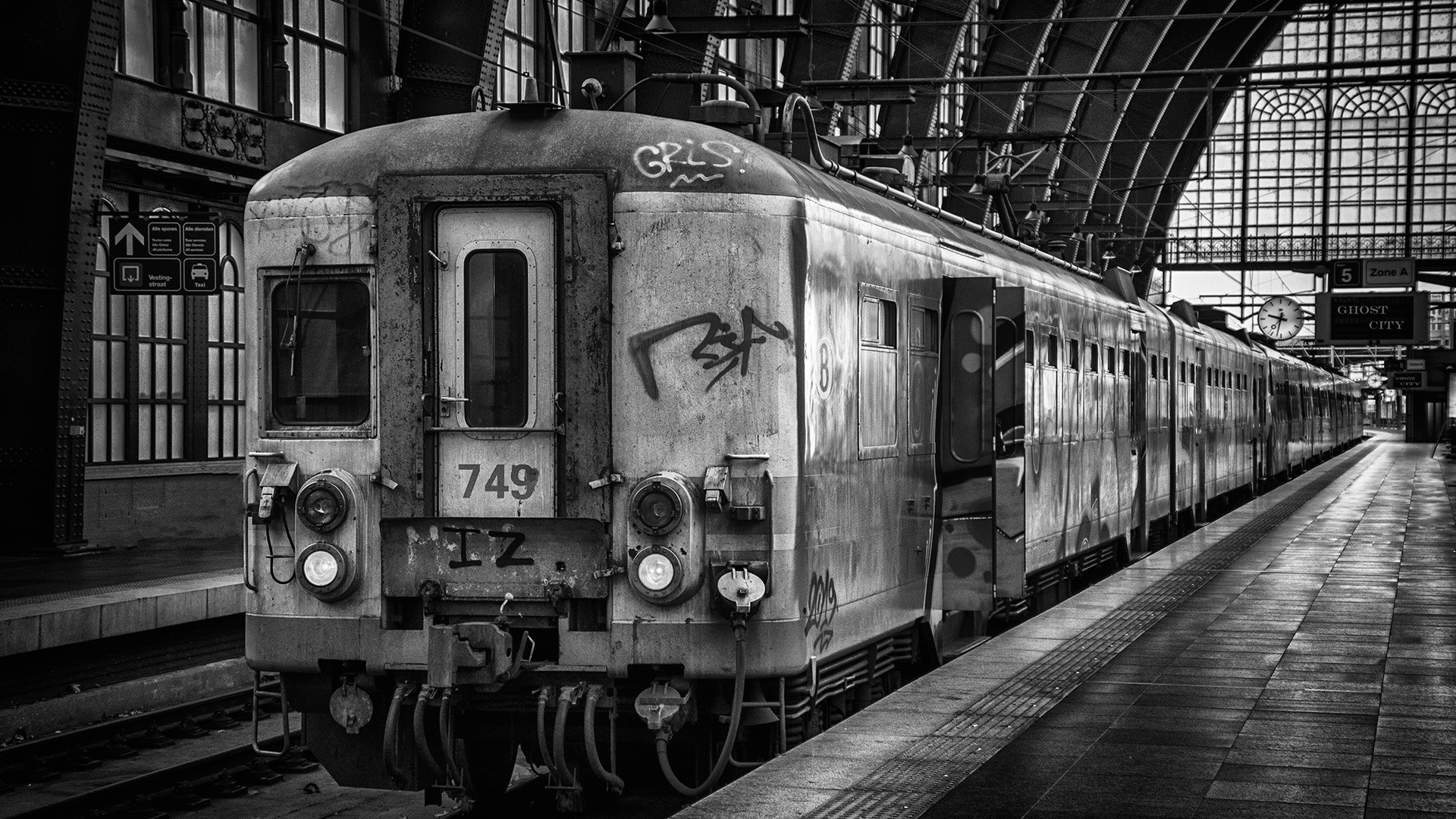 RAY_GHOST_TRAIN_TO_GHOST_CITY_DSC_2509_