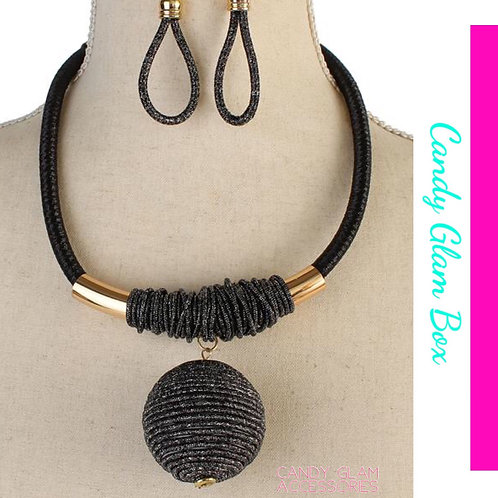 Drop Cord Ball Necklace Set