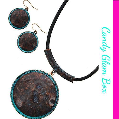 Pristine Pendant Necklace Set