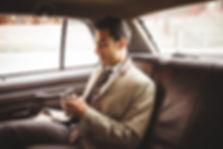車の中でビジネスマン