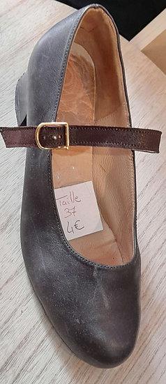 Chaussure à bride