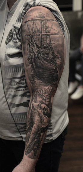 Healed nautical sleeve