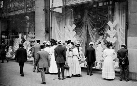 19. yy Marshall Fields (ilk departman mağaza firmalarından bir tanesi) Vitrini