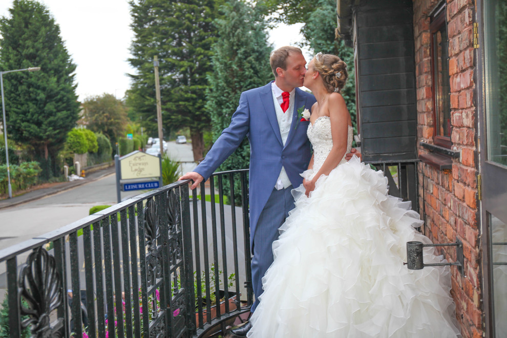 Fairways Lodge Hotel Wedding Photography | Steph and Darren