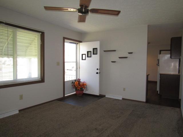 Front entrance to living room (kitchen thru doorway)