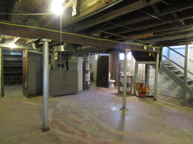 Full basement has 1/2 bath