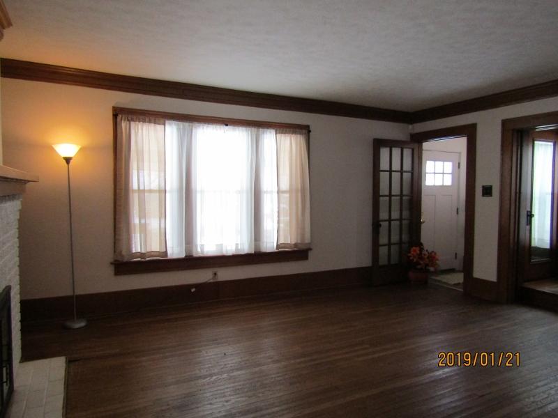 277 Living room entrance
