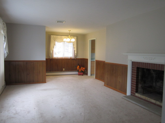 LIVING ROOM/ DINING ROOM