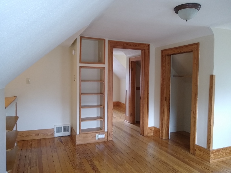 Entry to bedroom 3rd fl