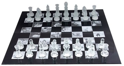 Луксозен стъклен шах