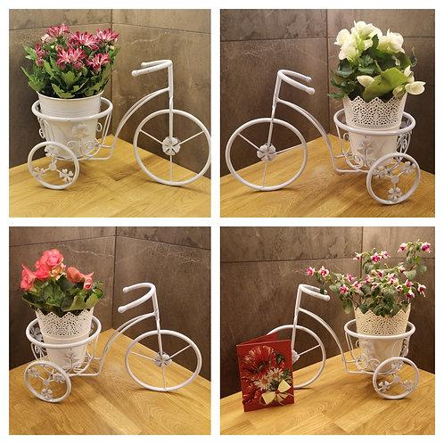 Голямо метално колело със сезонно цвете по Ваш избор