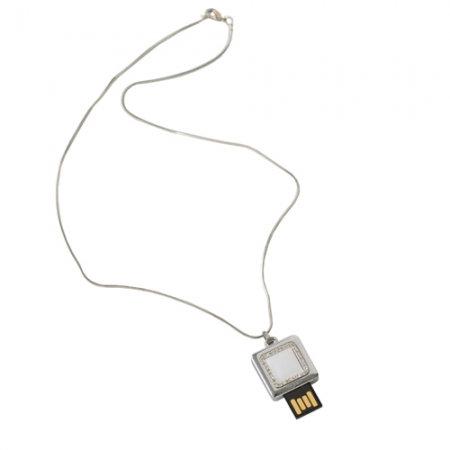 Колие Diadema Ungaro със скрито USB 4 GB